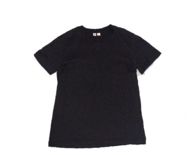 ユニクロU ネイビーTシャツ