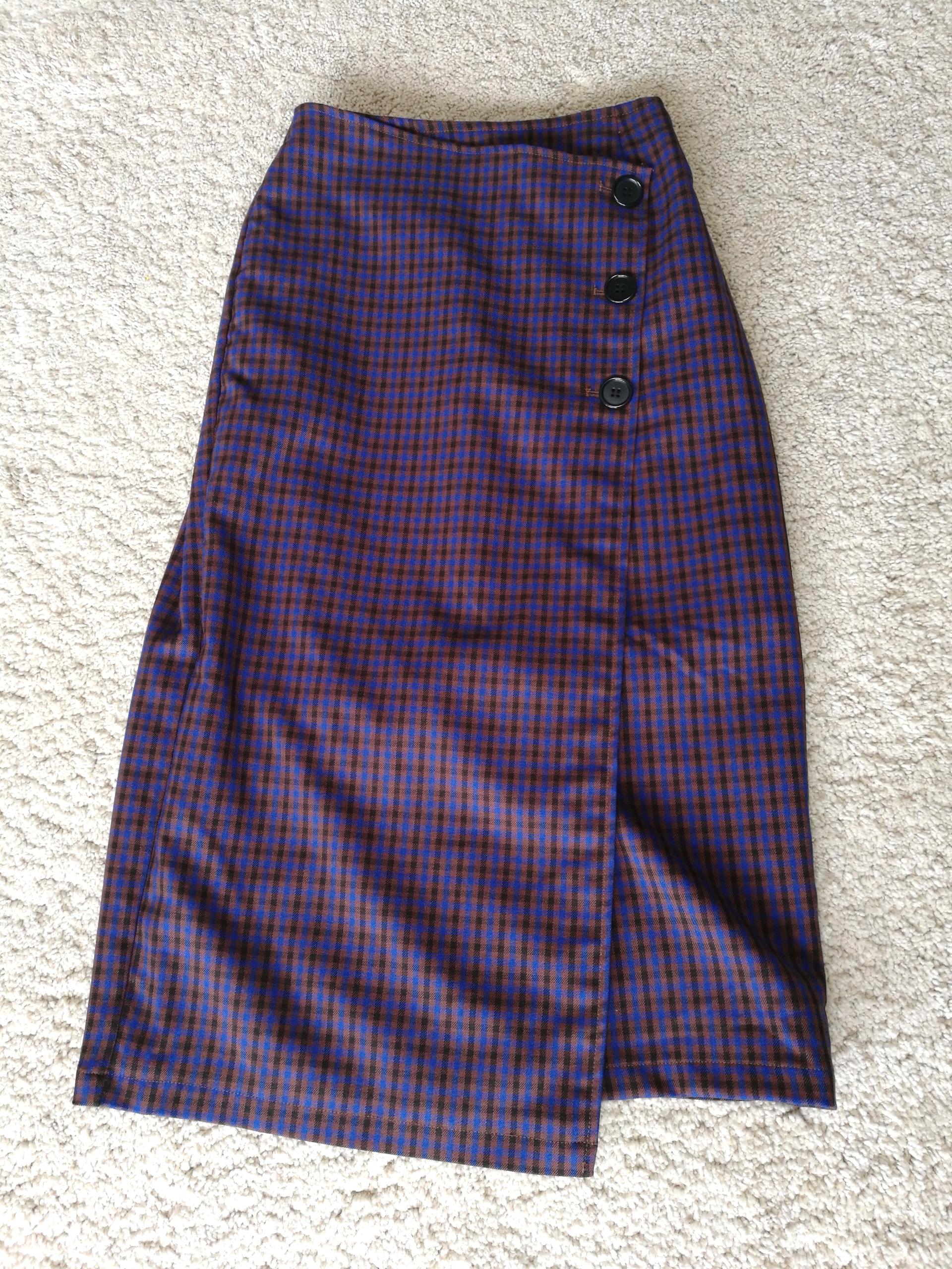 VISのスカート